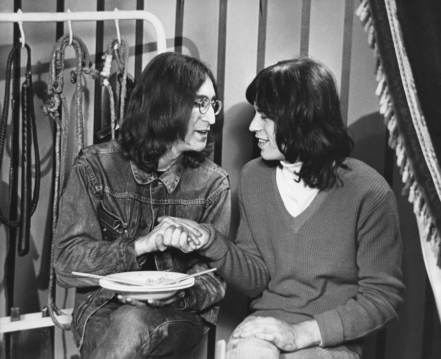 Keith Richards Lacing Shoes To Mick