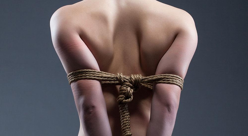 Women loving bondage idea