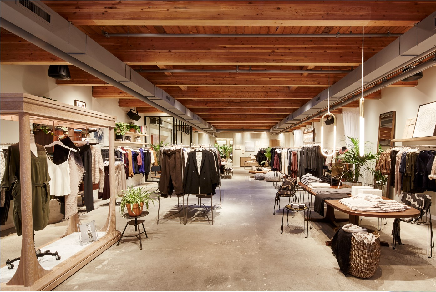 Aritzia to open new wilfred boutique at pacific centre for Centre boutique