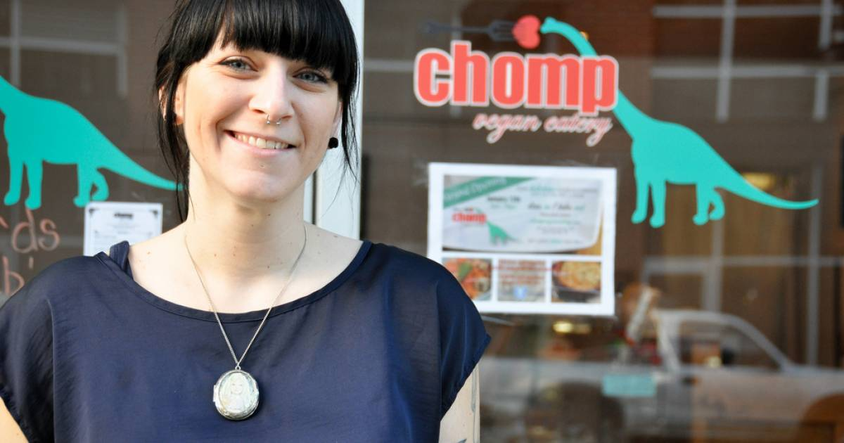 Vegan Eats In The Suburbs Chomp Vegan Eatery Takes A Bite