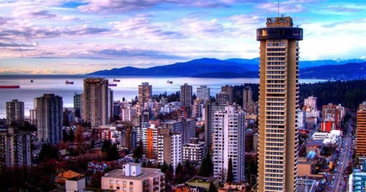 Gradual demolition of Vancouver's Empire Landmark hotel captured in time-lapse video