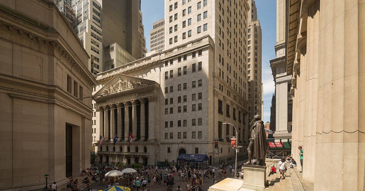 Stock prices fall sharply on Wall Street with Dow Jones Industrial Average down by more than ...