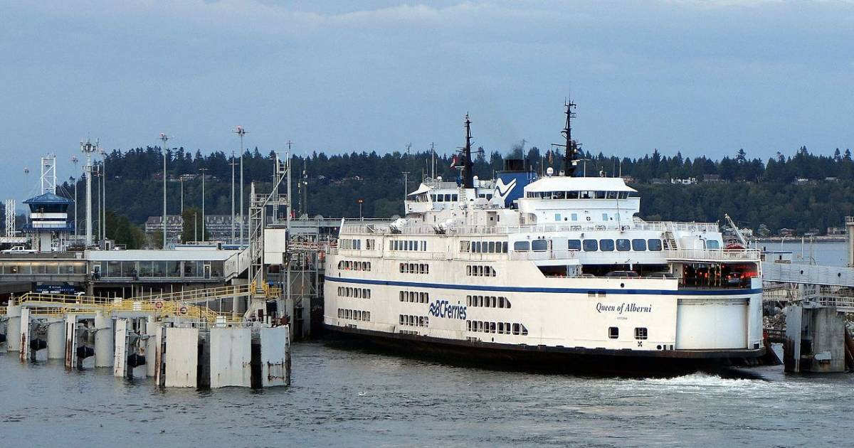 Near mayhem at Tsawwassen ferry terminal as travellers endure four-sailing wait to Swartz Bay