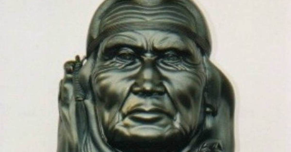 Updated: Chief Dan George sculpture worth $8,000 missing from Abbotsford school has been recovered