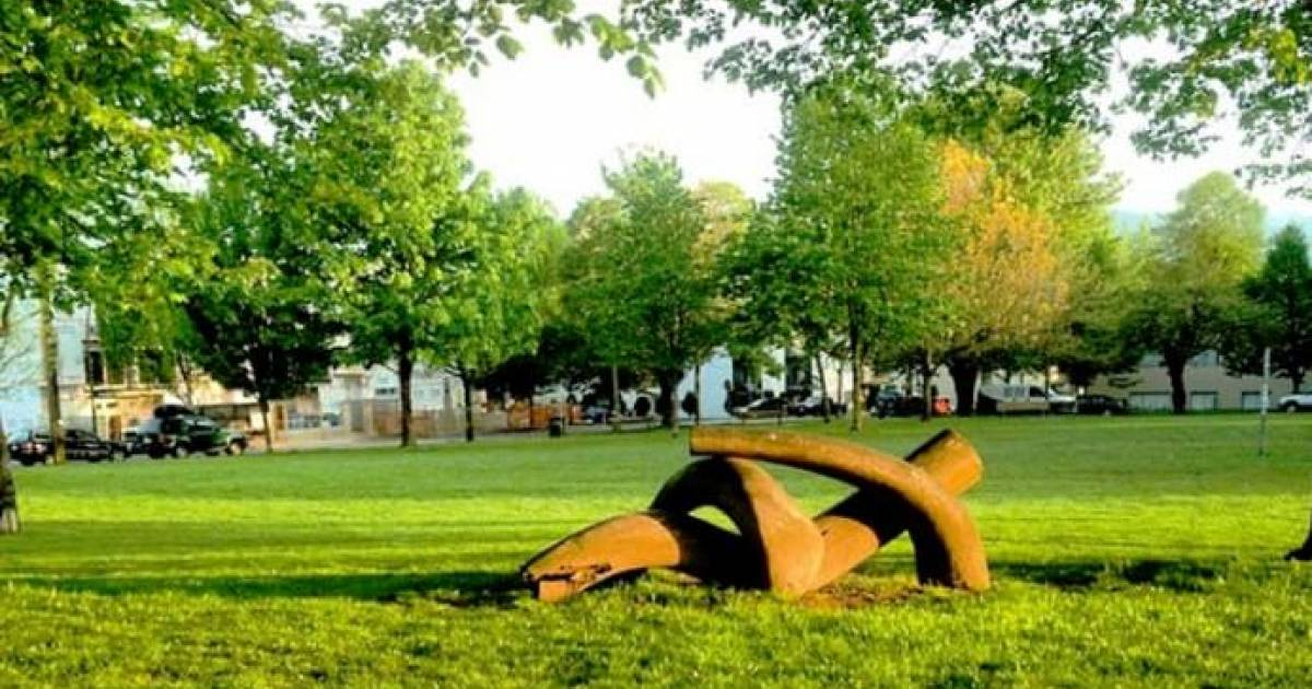He's ba-a-a-ck: Party With the Dude celebrates sculpture's return to Dude Chilling Park