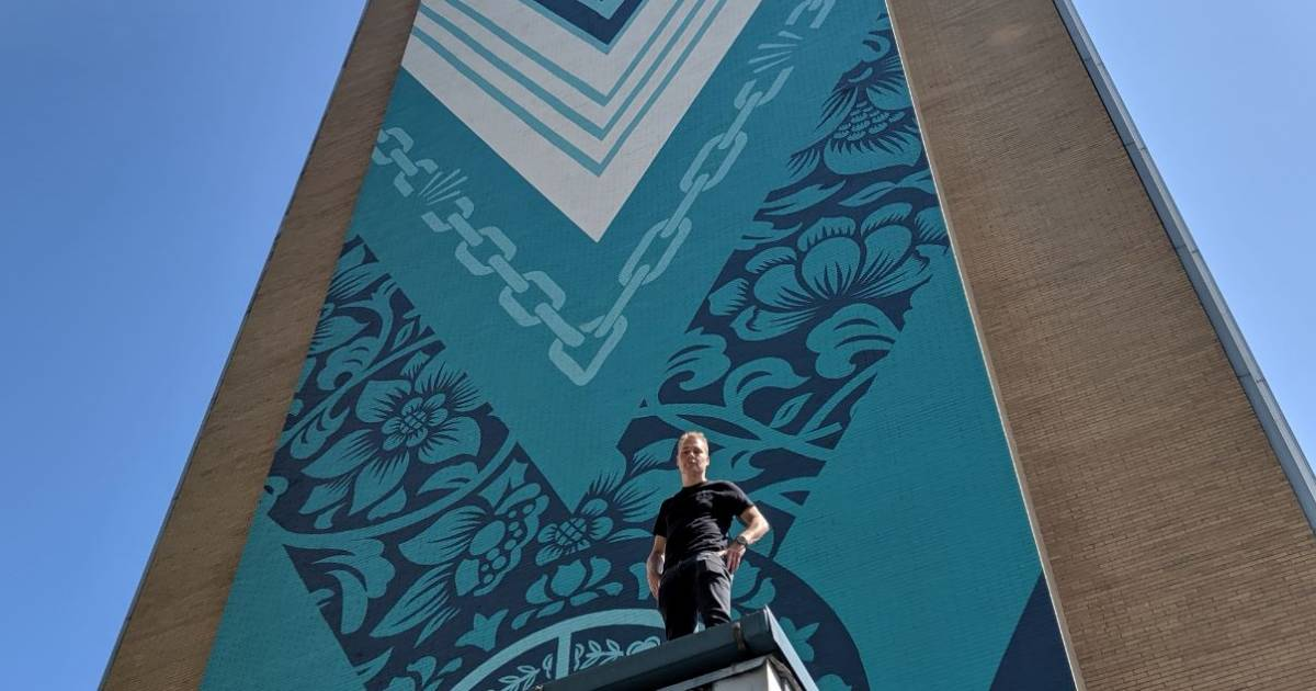 Photos: Shepard Fairey's 20-storey mural unveiled in downtown Vancouver