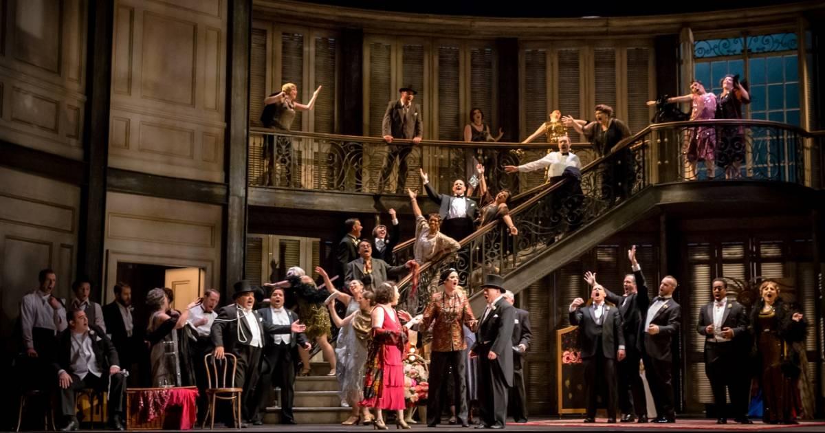 La Traviata hits Jazz Age Paris in Vancouver Opera's cross-country collaboration