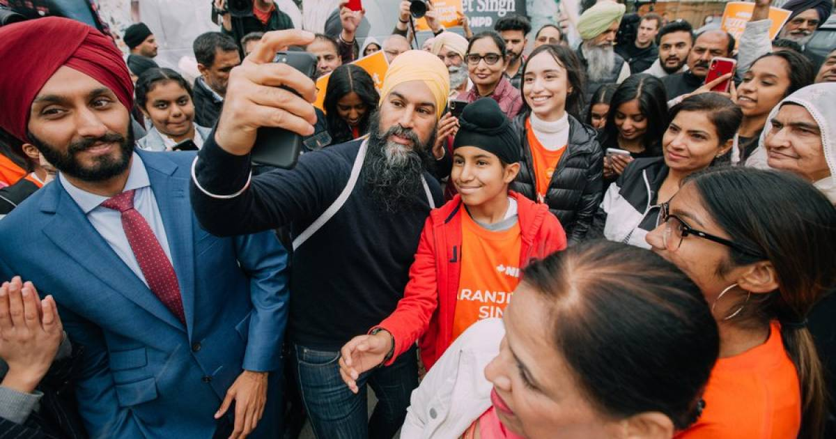 A coalition government? Singh says he's up for it while Trudeau says nothing at all