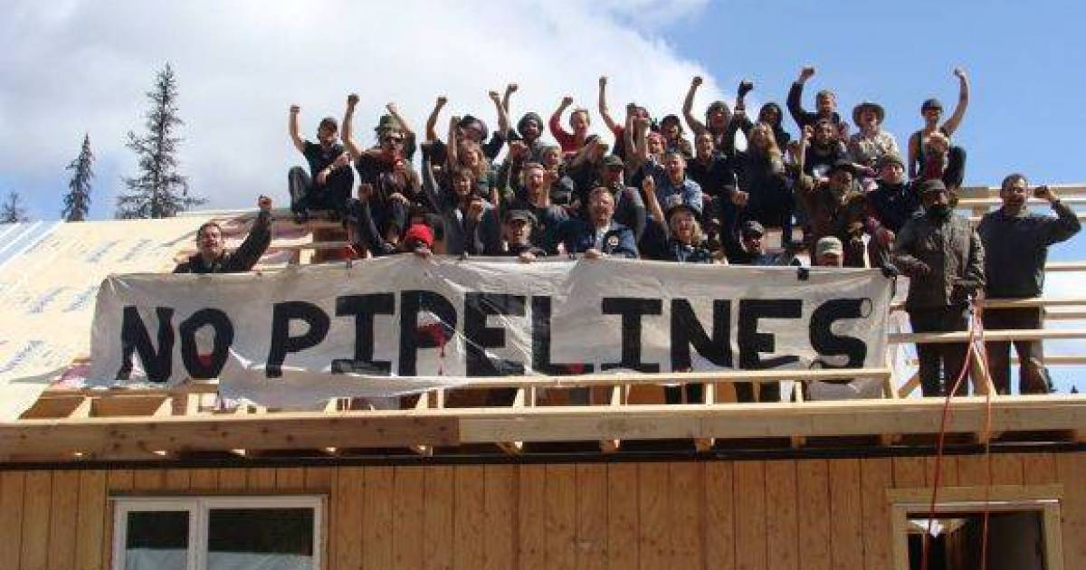 First Nations leaders call on RCMP to refrain from violence in pipeline standoff