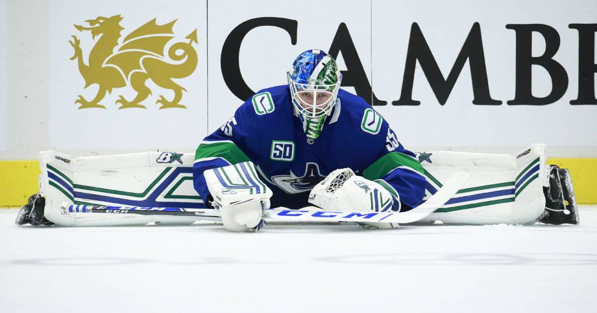 Vancouver Canucks, Straight Up: Elvis leaves the building with a win