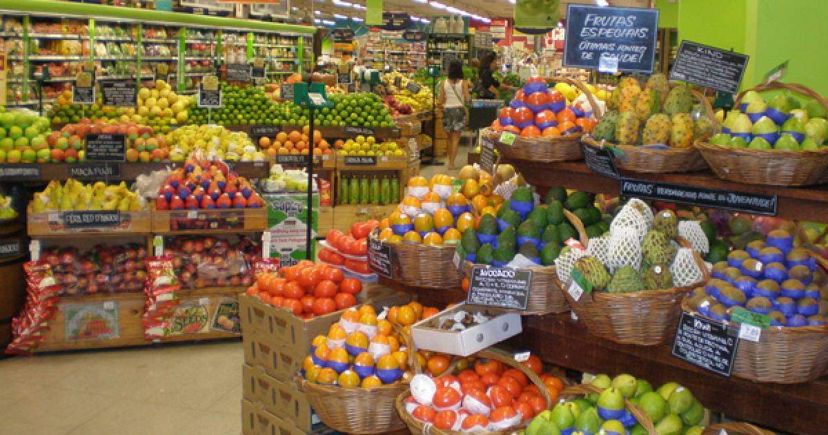COVID-19: Do I really need to wipe down my groceries?