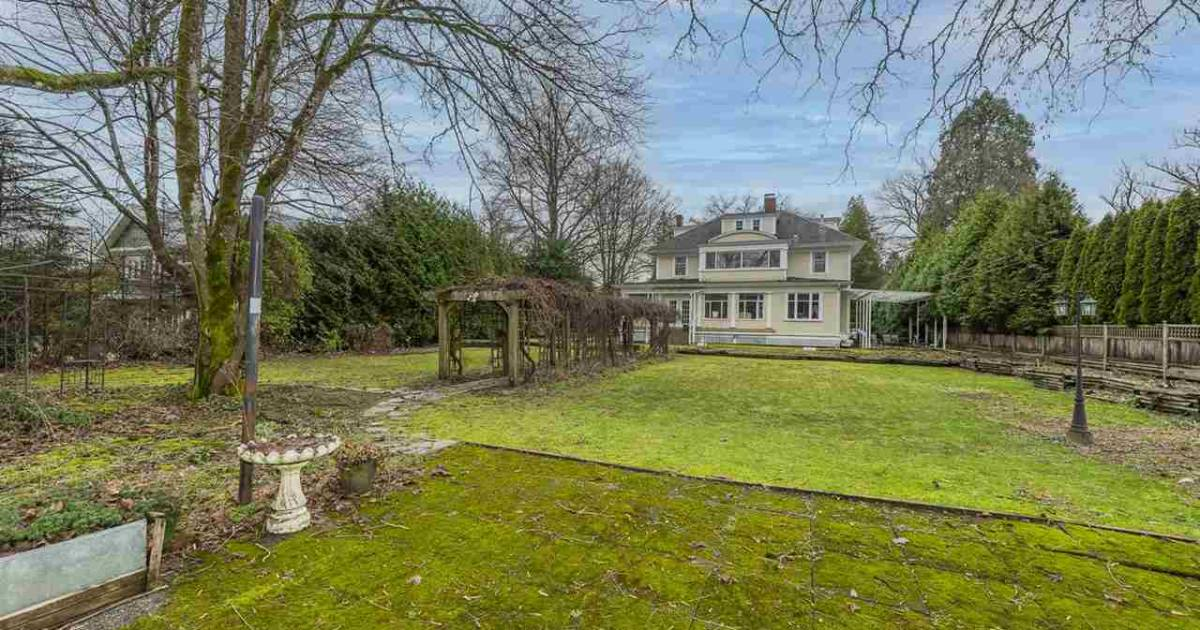 Vancouver real estate: Shaughnessy mansion sold for $80,000 less than $5.8-million purchase price in 2014