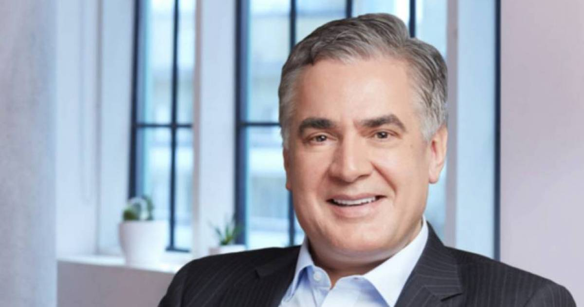 Eight Rogers directors back president and CEO Joe Natale, with three family members pitted against founder's only son