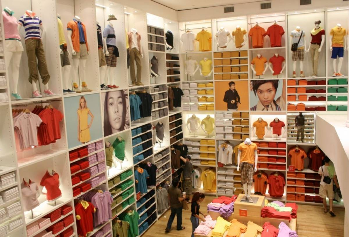 Uniqlo Visual Merchandising
