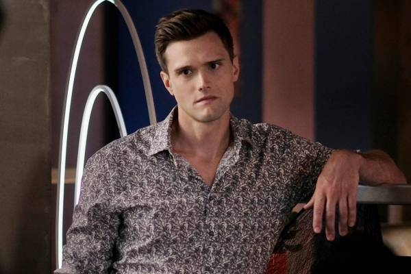 Actor Hartley Sawyer Fired From Vancouver Filmed The Flash For